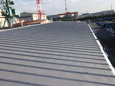 大規模工場の屋根にも対応